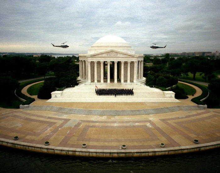 1991-the-jefferson-memorial-and-members-of-the-the-1st-helicopter-squadron